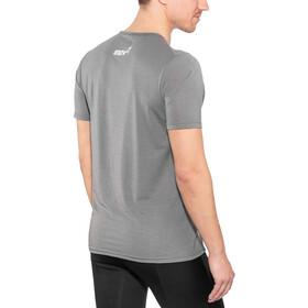 inov-8 AT/C Dri Release - Camiseta Running Hombre - gris